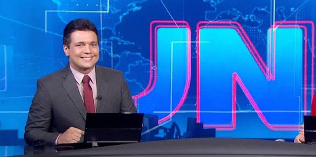 O apresentador do Jornal Nacional, Marcelo Magno, testou positivo para Coronavírus (Foto: Divulgação)