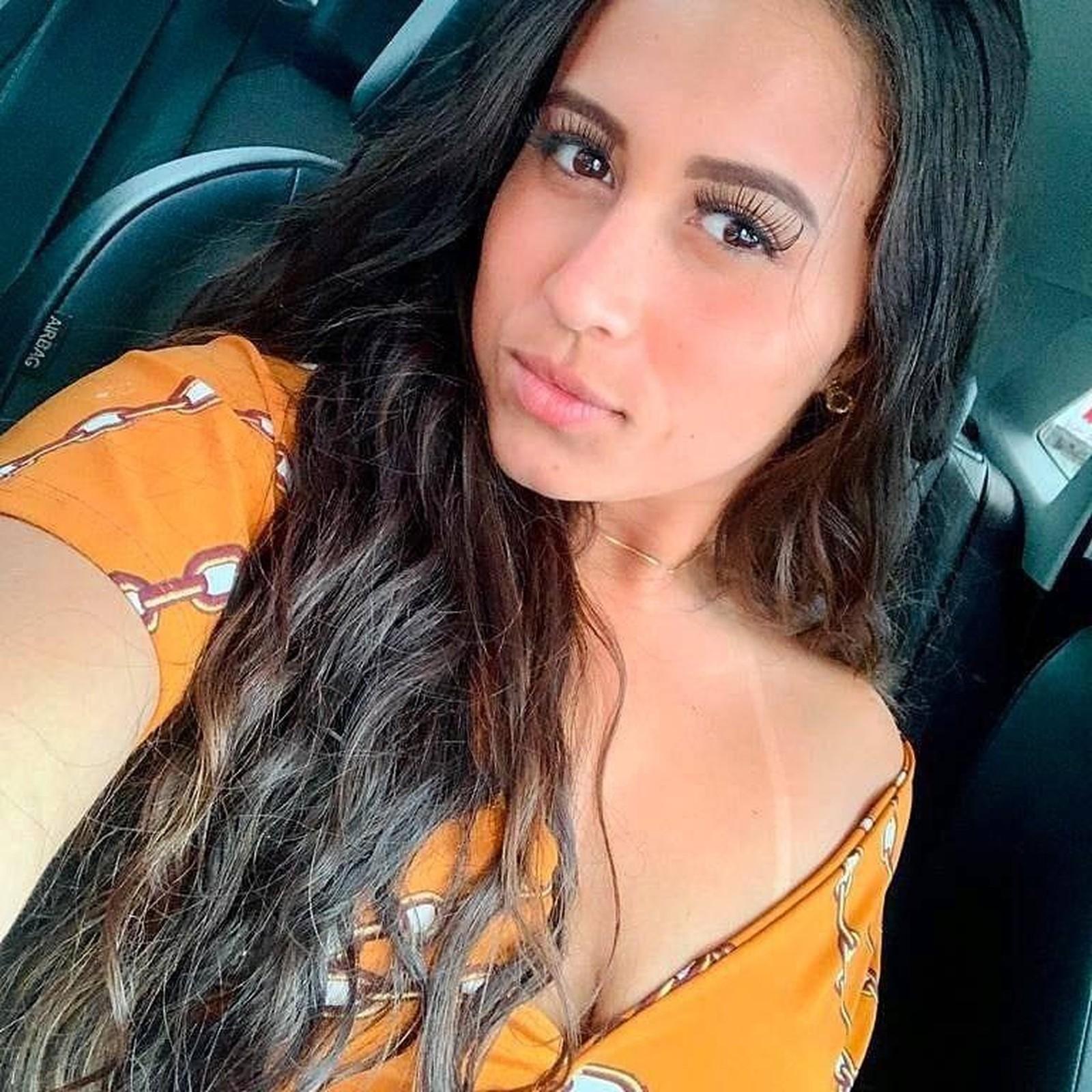 Alessandra Costa, de 17 anos, executada em tribunal do crime — Foto: Arquivo pessoal