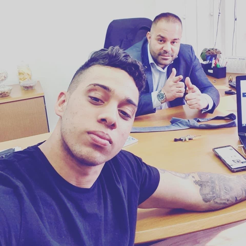 Gabriel Monteiro no gabinete do deputado estadual Filippe Poubel (PSL-RJ) / Foto: Reprodução/Facebook