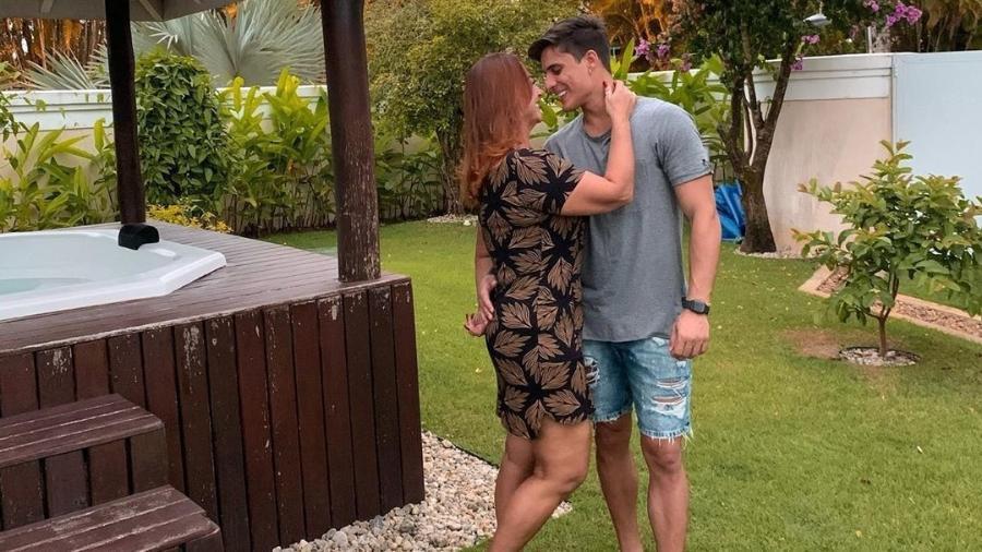Nadine Gonçalves, mãe de Neymar, está namorando com o modelo Tiago Ramos / Reprodução Instagram