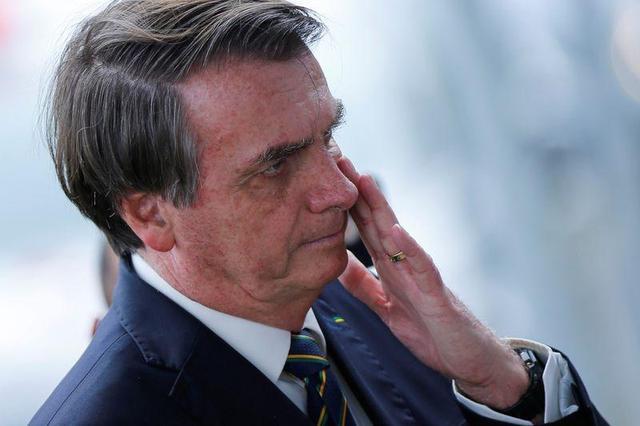 """Em rádio, Bolsonaro afirma : """"""""Talvez já tenha pegado esse vírus no passado"""". Presidente se recusa a divulgar resultado de testes"""