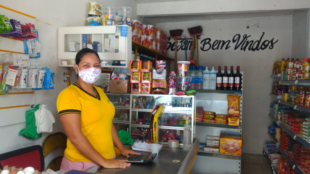 David Almeida faz campanha para fortalecer compras nos pequenos negócios
