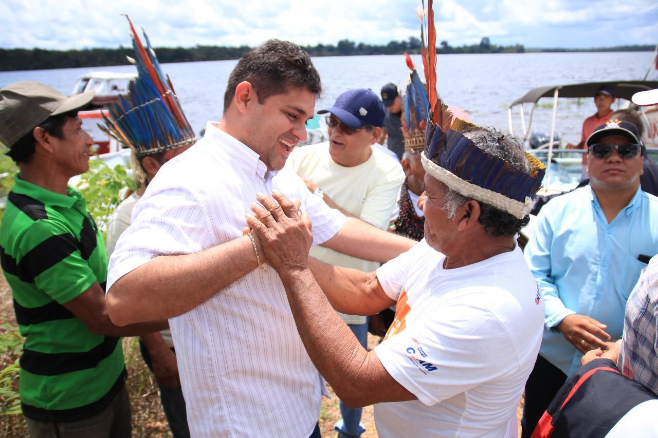 Bloqueio com barreira fluvial impede proliferação do novo coronavírus em terra indígena Sateré-Mawé / Foto : Prefeitura de Barreirinha / Divulgação