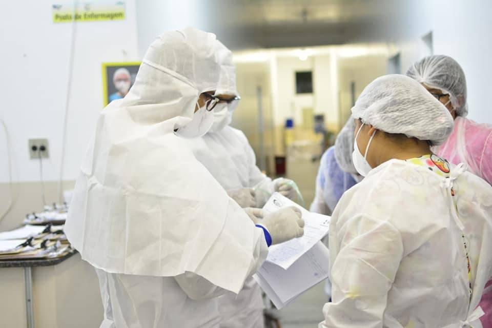 Médicos e Enfermeiros no Centro de Referência de Combate ao Coronavírus em Tefé   Foto: Divulgação