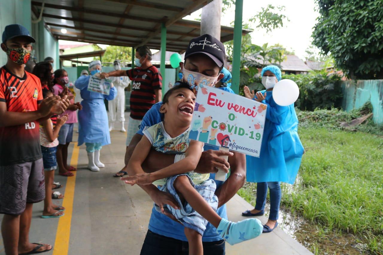 paralisia cerebral vence Covid-19 e deixa hospital de Barreirinha / Divulgação